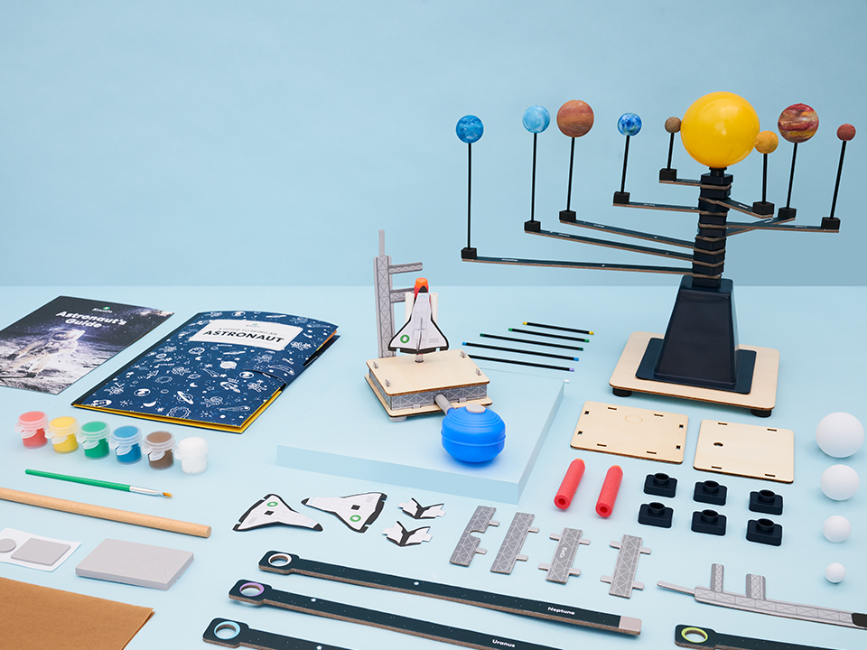 Astronomy astronaut kit for kids